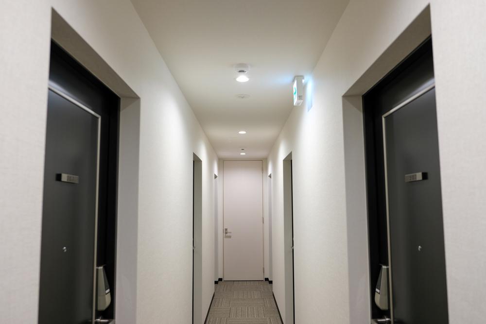 ポートハウスの廊下