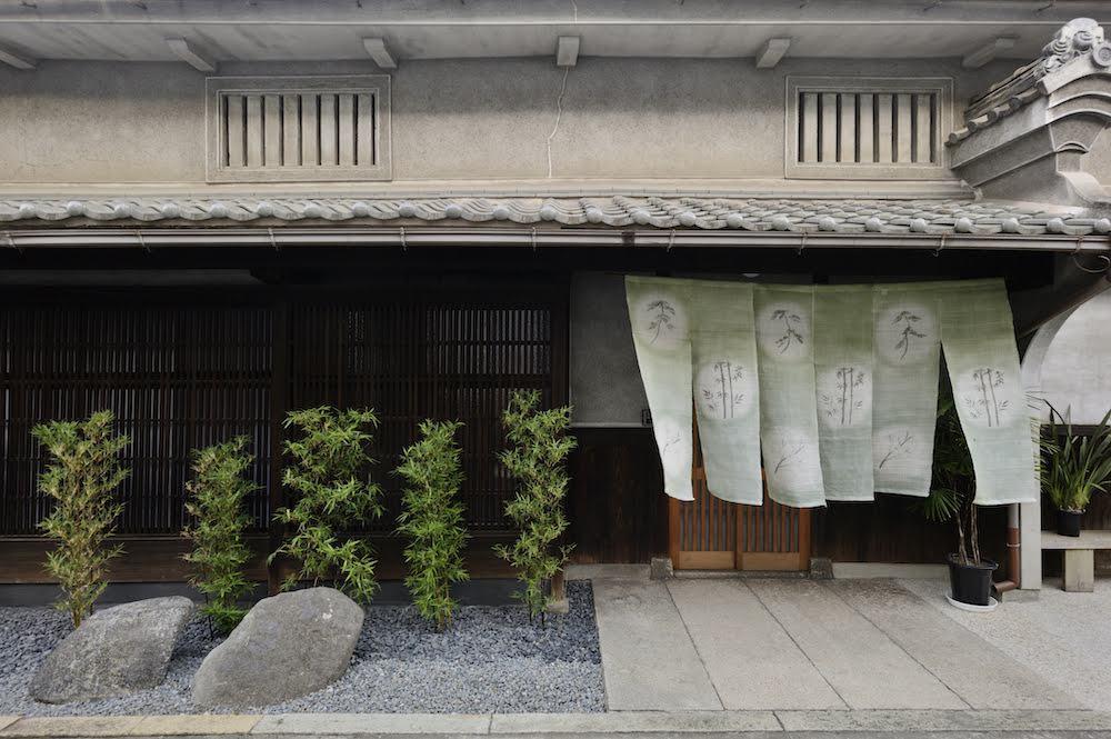 大阪西成区で運営しているリスティングの外観